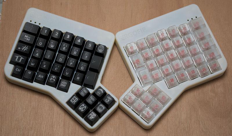 custom.vs.blank.keycaps.jpg